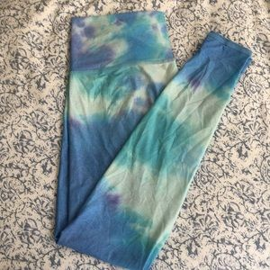 Teeki size medium leggings